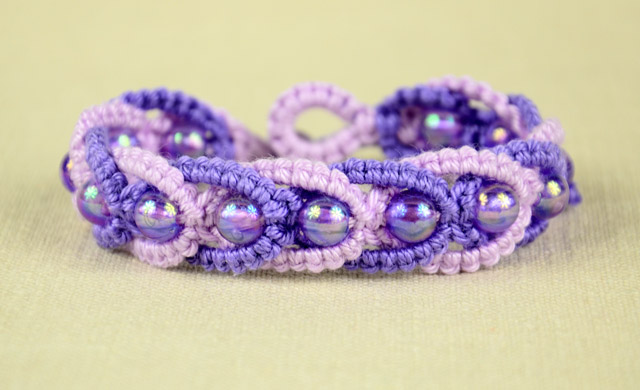DIY - Beaded Macrame Bracelet