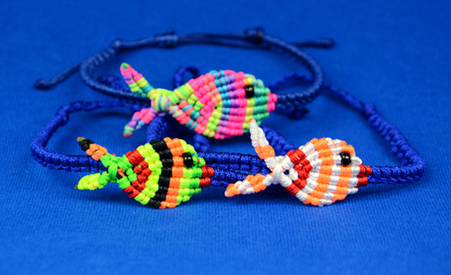 Colorful Fish Bracelet Tutorial